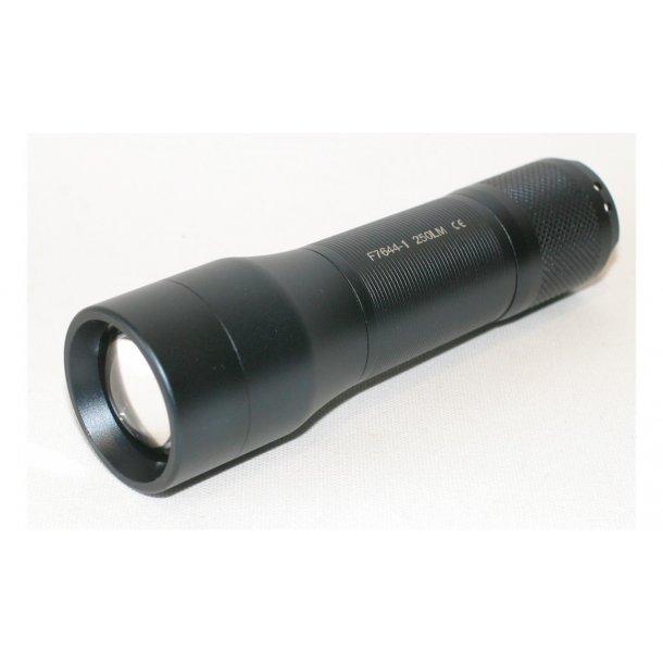 Osean LED lommelykt 250lm fokus